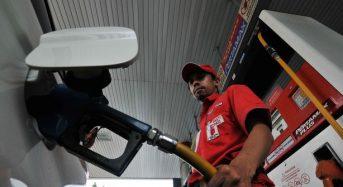 Ini alasan dilarang gunakan ponsel saat isi bahan bakar di SPBU