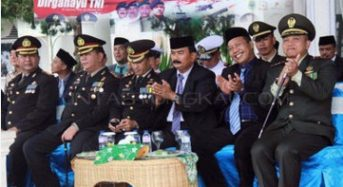 WAKIL BUPATI TANJABBAR HADIRI UPACARA HUT TNI KE 72 DI TANJAB TIMUR
