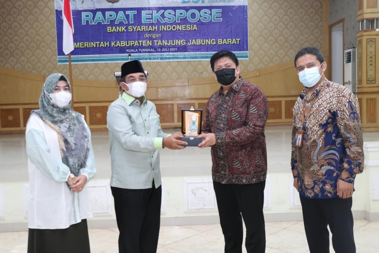 PEMKAB TANJAB BARAT BAHAS KERJASAMA DENGAN BANK SYARI'AH INDONESIA